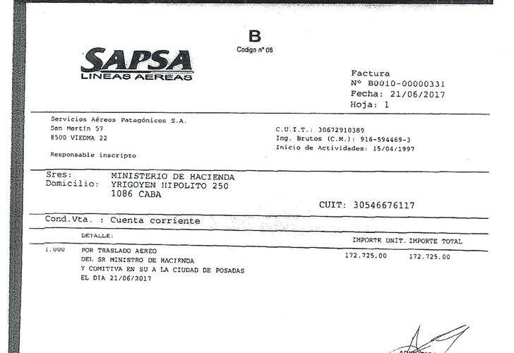 VUELO PRIVADO I Sin ninguna razón de urgencia, el ministro de Hacienda contrató un vuelo de $ 172.725 para viajar el 21 de junio de 2017 a Misiones. En avión de línea ronda los $ 2 a 3 mil.