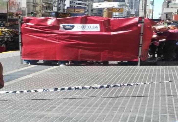 Una turista francesa cayó del balcón en pleno centro porteño y falleció