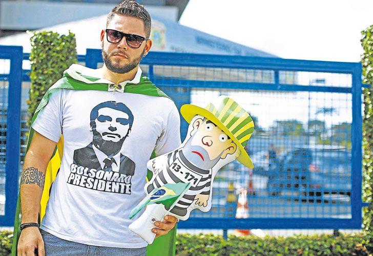 Defensa de Lula pide medida cautelar contra orden de prisión