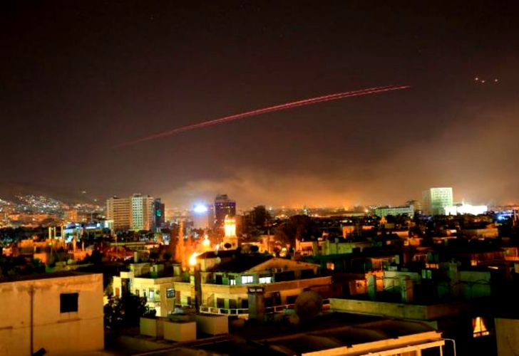 Irak preocupado por la situación en Siria tras ataque aliado, dice embajador