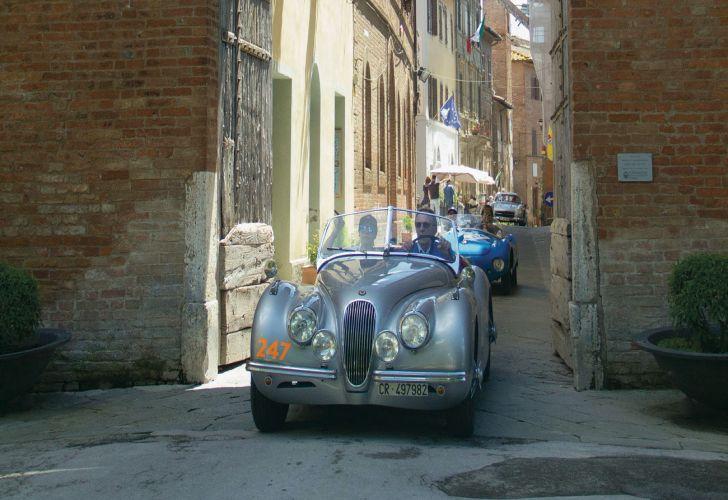 Mille Miglia_turismo_Italia_aventura_Europa_carrera_autos antiguos_autos de colección