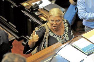 Enojada. Se retiró de la sesión de la Cámara baja con críticas por los cambios previsionales.