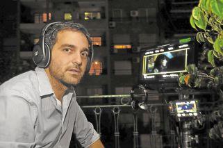 Relaciones. Nicolás es hijo de Ricardo Gil Lavedra, quien actualmente está en pareja con Claudia Piñeiro.