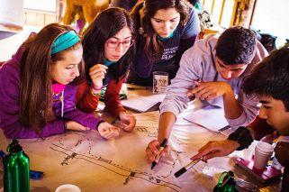Diez jóvenes argentinos afinan su vocación en un campamento