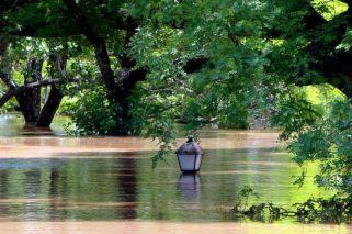 Inundación histórica en Salto: 570 evacuados y barrios bajo el agua