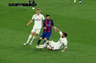 La criminal patada de Sergio Ramos para frenar a Messi