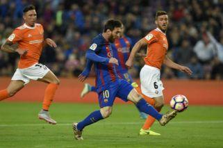 Barcelona alimentó su sueño de campeón con una goleada