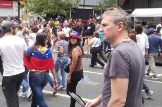Venezuela: quién es el argentino invitado por la oposición que se ganó el repudio del chavismo