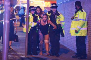 Las impactantes imágenes de la tragedia en el show de Ariana Grande