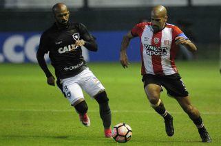 Verón dejó a Estudiantes en la Copa Sudamericana
