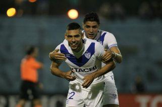 Vélez clasificó con lo justo ante Leandro Alem