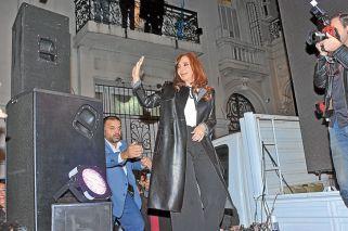El kirchnerismo duda si CFK será candidata