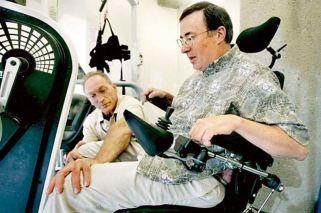 Aprueban la primer droga que frena el avance del mal que sufre Stephen Hawking