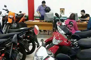 Brote en dos ruedas: salta 122% la venta de 'scooters'