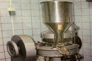 Máquina para hacer drogas del Hospital Posadas, actualmente desaparecida.