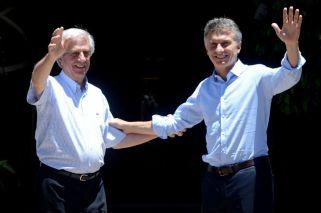 Macri y Tabaré Vázquez se postularán para organizar un Mundial