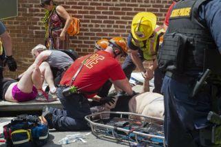Un auto impactó contra una manifestación y le ocasionó la muerte a una persona en Estados Unidos.