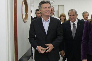 Mauricio Macri fue operado con éxito de la rodilla derecha