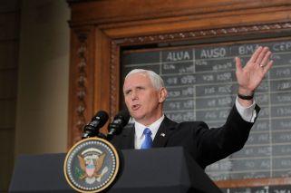 Mike Pence amenazó con una intervención de Estados Unidos en Venezuela