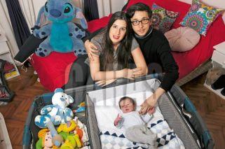 Rodrigo Noya presenta a su bebé de tres semanas