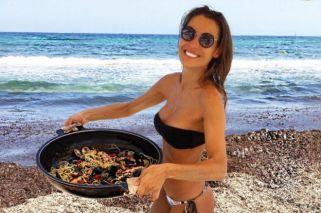 Pampita, súper sexy, mostró su lomazo en la playa