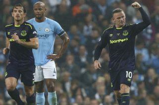 Rooney convirtió su gol 200 en el fútbol inglés