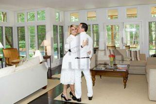 La millonaria vida de reina de Vicky Xipolitakis y su novio