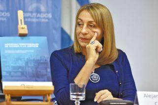 Arslanian defenderá a Gils Carbó en la causa por supuesta coima