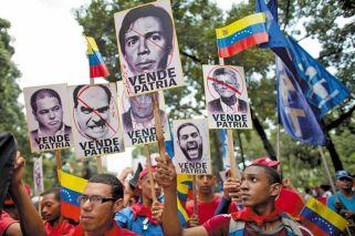 Maduro gana un round clave en la lucha por mantenerse