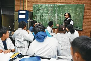 Comienza la inscripción en escuelas porteñas con polémica por vacantes