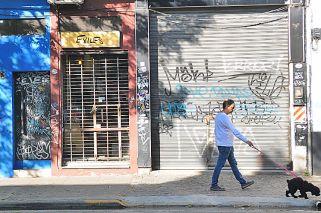 En Palermo se quejan por las pintadas en los locales