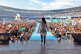 Cristina compite por el Senado y por el liderazgo de la oposición