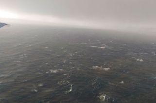 Búsqueda del submarino: impactante video de las olas de 6 metros
