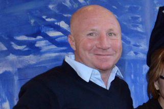 Denuncian a Carlos Mac Allister de repartir subsidios a clubes de polo y golf