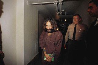 Murió Charles Manson, el criminal que horrorizó al mundo
