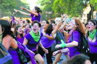 60k women march on Trelew for annual summit