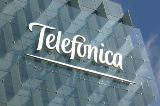 Telefónica sales hit by end of roaming charges, but revenue in Argentina up