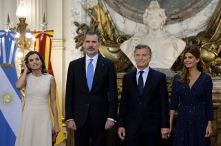 King and Queen of Spain made to wait on state visit to Argentina