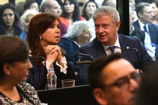 Fernández de Kirchner arrives to court as corruption trial opens