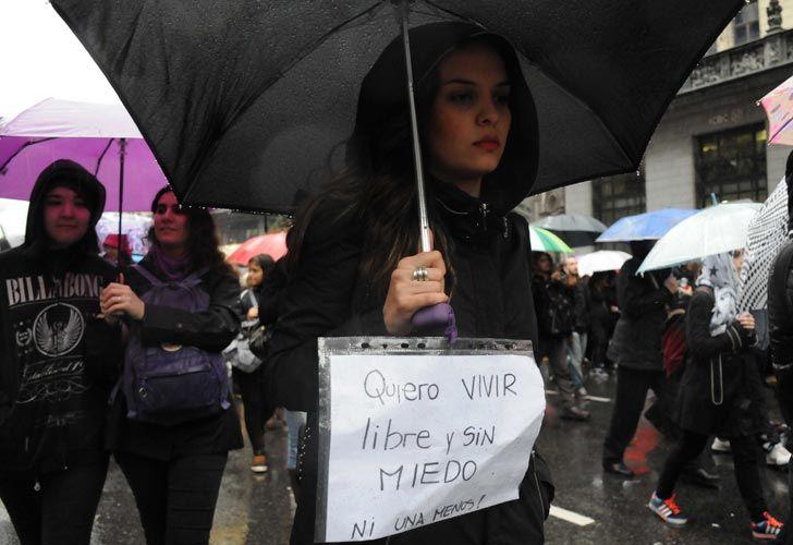 Marcha de #NiUnaMenos en el centro porteño
