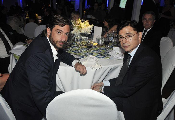 El ministro de Gobierno bonaerense, Federico Salvai, junto al CEO de Editorial PERFIL, Jorge Fontevecchia.