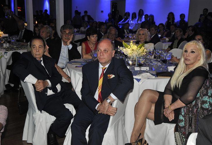 Alberto Fontevecchia junto a Mirtha Legrand, Susana Giménez y Ricardo Lorenzetti.