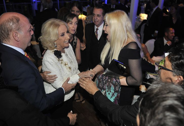 Mirtha Legrand junto a Susana Giménez.
