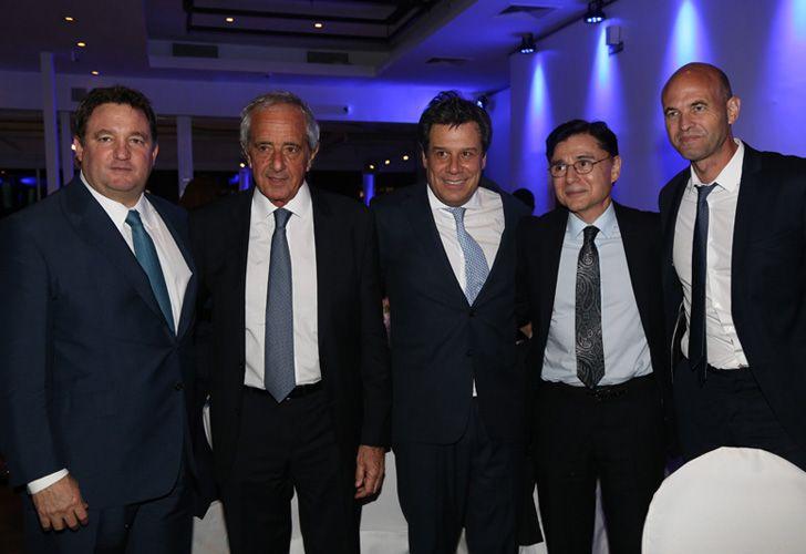 Alejandro Macfarlane, Rodolfo D'Onofrio, Facundo Manes, Jorge Fontevecchia y el ministro de Transporte, Guillermo Dietrich.