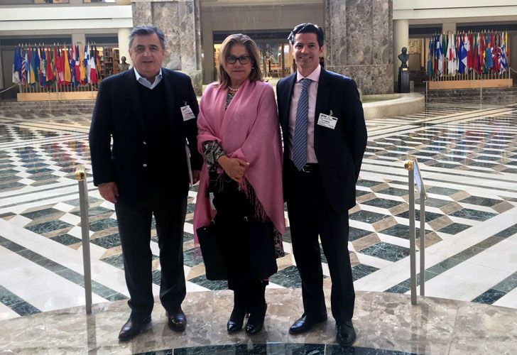 Mario Negri, Graciela Camaño y Luciano Laspina, en una postal desde Estados Unidos.