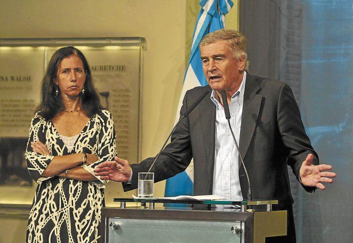Sobre el volcan. El ministro de Comunicaciones, Oscar Aguad, buscó que el multimedios llegara a un entendimiento con Telefónica.