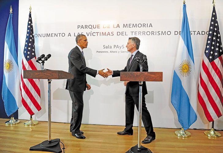 Gesto. Durante su visita en marzo a la Argentina, Obama prometió a Macri y organismos de DD.HH. publicar archivos sobre la dictadura.