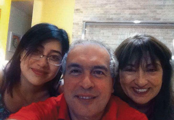 José López junto a su esposa María Amalia Díaz y su hija Aracelí.