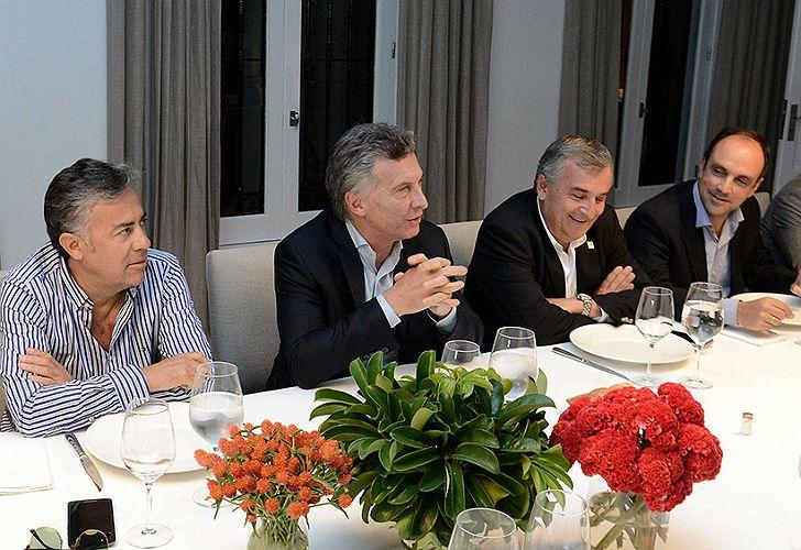 Macri junto a la cúpula de la UCR
