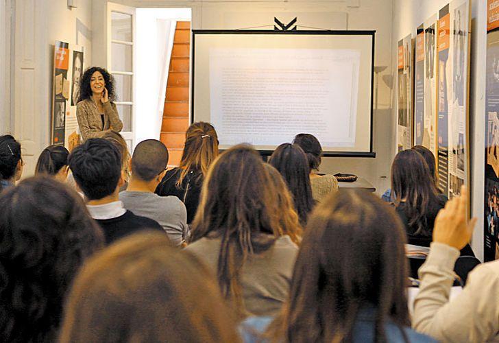 producción. Los alumnos realizarán sus crónicas periodísticas en la Fundación TEM con Leila Guerriero. Luego serán publicados los mejores trabajos en el diario PERFIL.